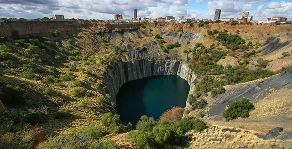 See the Big Hole of Kimberley